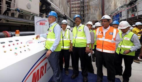 Kerajaan Guna Model Tender MRT Untuk Projek Ikonik