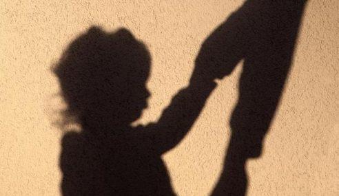 Penganggur Rangsang 2 Budak Sebelum Liwat