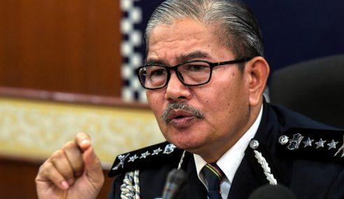 Video Tular Wanita Dilarang Masuk Balai Polis Dinafi