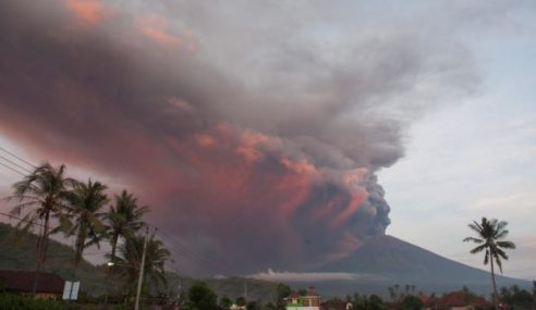 Gunung Agung: Keluar Amaran Tahap Tertinggi