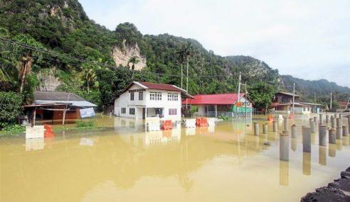 Musim Hujan Resahkan Penduduk Kg. Tebing Tinggi