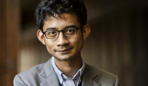 Adnan Zikri Jaafar, Pelajar Pintar Terima Tajaan Rhodes