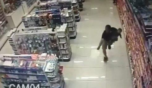 Video: Tembak Dua Perompak Sambil Kendong Anak