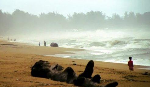 Hujan Lebat, Angin Kencang Di Pantai Timur, Johor