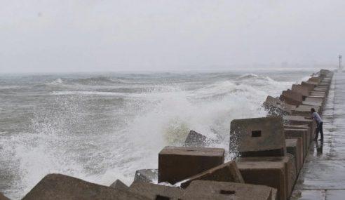 Amaran Angin Kencang, Laut Bergelora