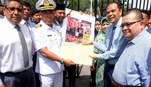 BN Selangor, 10 NGO Serah Deklarasi Pertahan Sultan