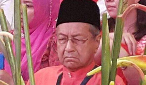 Lawak Mahathir Dakwa Polis, Tentera Biar Dia Dibunuh?