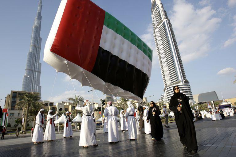 Gaji Penjawat Awam UAE Kini Paling Rendah RM19,000