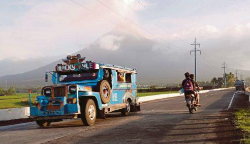 Bantah Tamatkan Perkhidmatan Jeepney