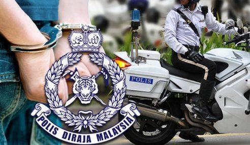 2 Anggota Polis Trafik Cedera Dirempuh