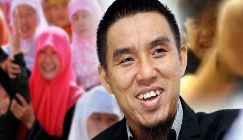 """Cina Memeluk Islam Dikutuk Sebagai Melayu Babi"""