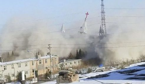 China Tegas Roboh Gereja Besar Dibina Secara Haram