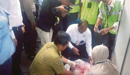 Polis Tahan Wanita Buang Bayi Dalam Pesawat