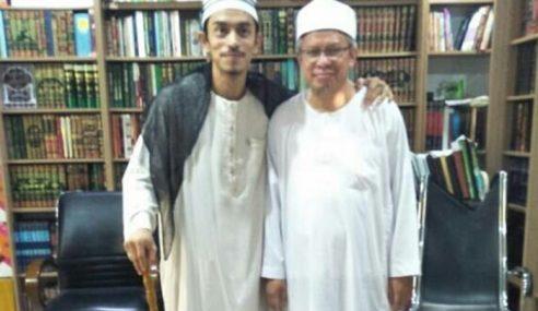 Iqram Dinzly Dapat Hadiah Arnab Daripada Mufti
