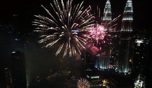 Malaysia Sertai Dunia Sambut 2018 Dengan Kemeriahan