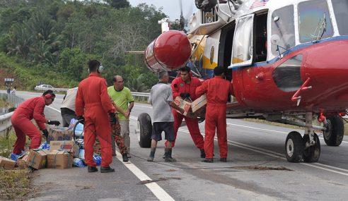 Helikopter Bomba Hantar 14 Tan Bekalan Makanan