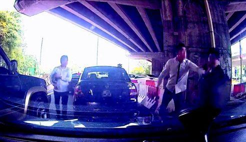 Punggung Ditikam Samseng Jalanan