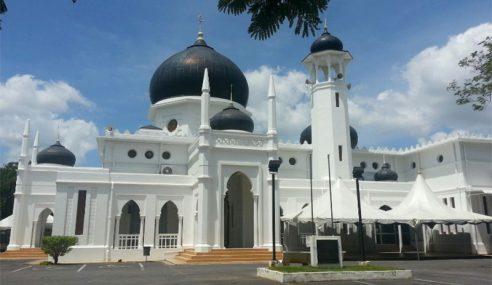 Masjid Syed Alwi Dibina Campuran Putih Telur, Pasir