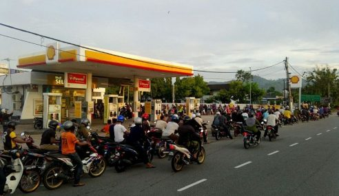 400 Penunggang Motosikal Terima Petrol Percuma