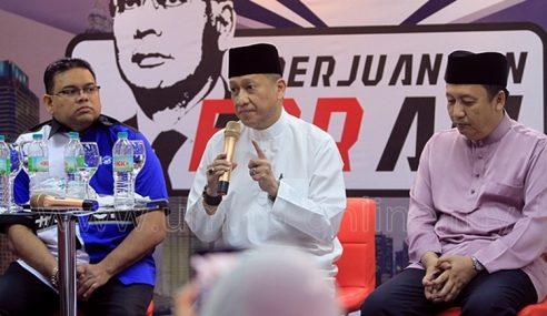 """""""Saya Amuk Sebab Mahathir Si Penipu Terbesar Sejarah"""""""