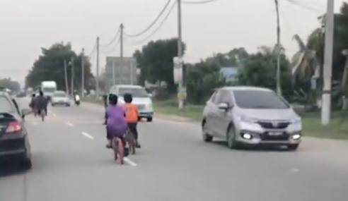 "Video: ""Mak Bapak Punya Jalan Ke Dik?"""