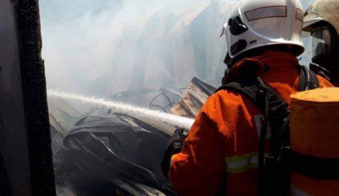 Kebakaran Rumah, Stor Di Perumahan Awam Karentina