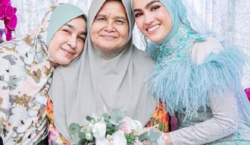 Elfira Sebak, Kagum Dengan Semangat Kental Ibu