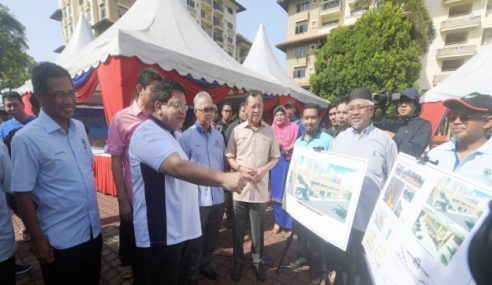 16 Anggota UMNO Fail Semakan Kehakiman Dipecat