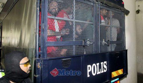 18 Lelaki Didakwa Anggotai Kumpulan Geng 08′