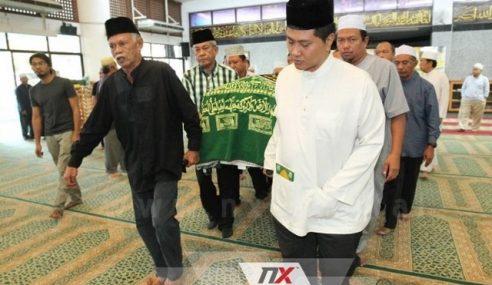 Jenazah Napsiah Omar Disemadikan Di Kuala Pilah