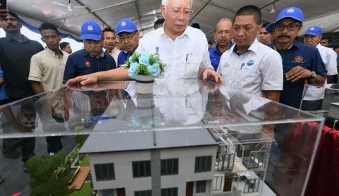 Najib Letak Batu Asas Pembinaan Hospital Pendang