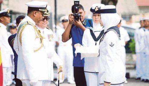 Amisah Laskar Kanan Wanita Pertama 'Sailor Of The Year'