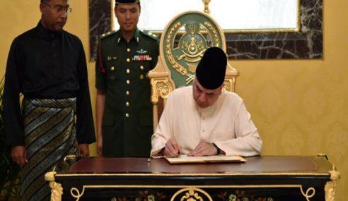 Sultan Nazrin Perkenan Bubar DUN Perak
