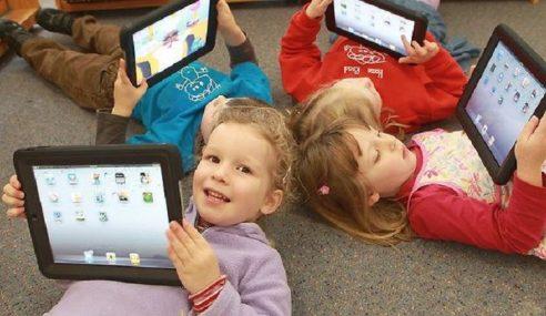 Kanak-Kanak Ketagih iPad Tidak Tahu Guna Buku?