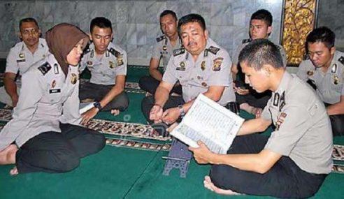 Polis Di Indonesia Mesti Boleh Hafal Al-Quran