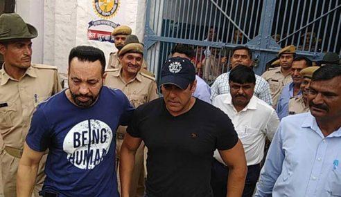 2 Hari Dalam Tahanan, Salman Khan Dibebaskan