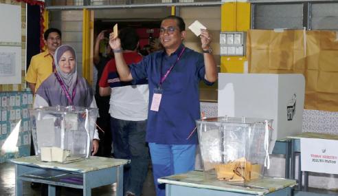 Khaled Nordin Harap Rakyat Beramai Keluar Mengundi
