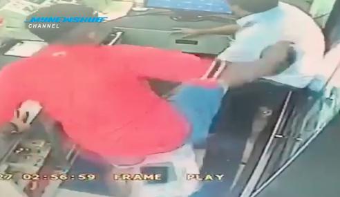 Video: Belasah Cashier Lepas Tak Dapat Berhutang
