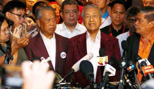 Mahathir Angkat Sumpah PM Ke-7 Hari Ini