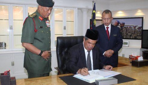 Mat Sabu Akui Canggung Hari Pertama Jadi Menteri