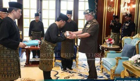 Osman Angkat Sumpah MB Johor Ke-16