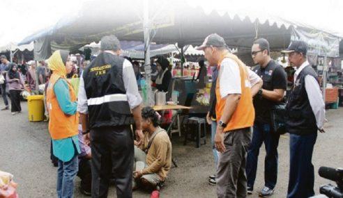 Tahan Pati Mengemis Di Bazar Ramadan