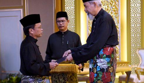 Shafie Apdal Angkat Sumpah Ketua Menteri Sabah