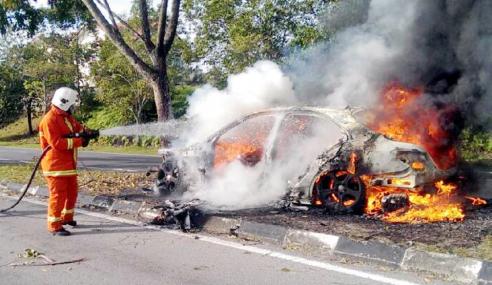 Penceramah Terkenal Nahas, Kereta Dinaiki Terbakar