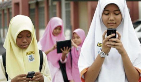 Cadangan Bawa Gajet Ke Sekolah Dikaji Semula