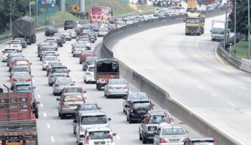 Trafik Perlahan Di Lebuh Raya Utama – PLUS