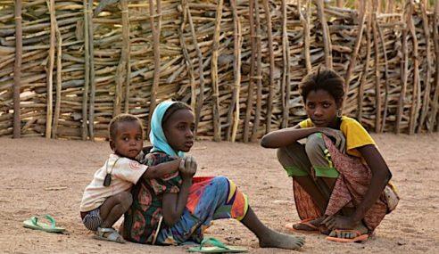 1.2 Bilion Kanak-Kanak Dunia Menderita