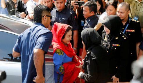 Rosmah Tiba, Beri Keterangan Di Ibu Pejabat SPRM