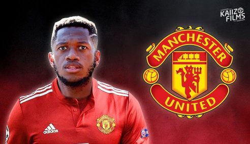 Fred Bakal Sarung Jersi Manchester United