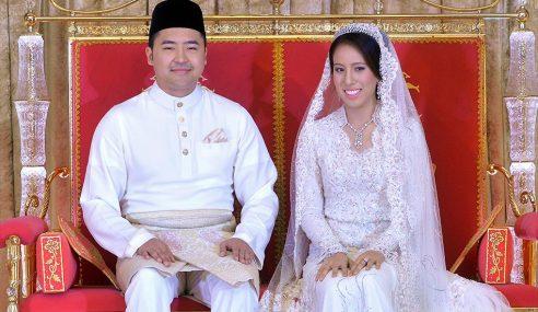 16 'Tong' Hadiah Tradisi Kazakhstan – Menantu Najib
